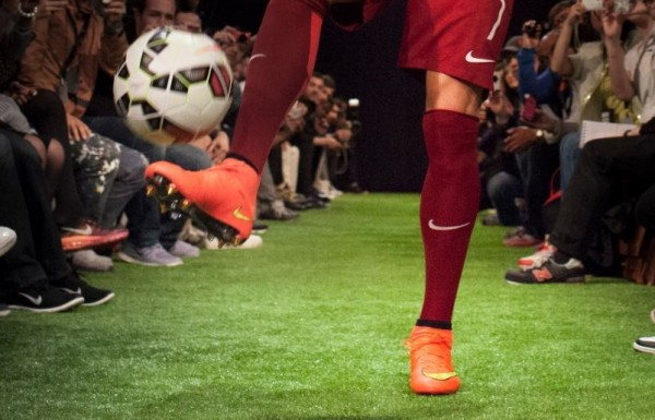 Ronaldo wears Nike Superfly