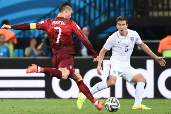 TOPSHOTS-FBL-WC-2014-MATCH30-USA-POR