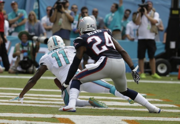 Mike Wallace, Darrelle Revis