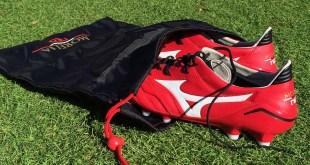 Mizuno Morelia Neo in Boot Bag