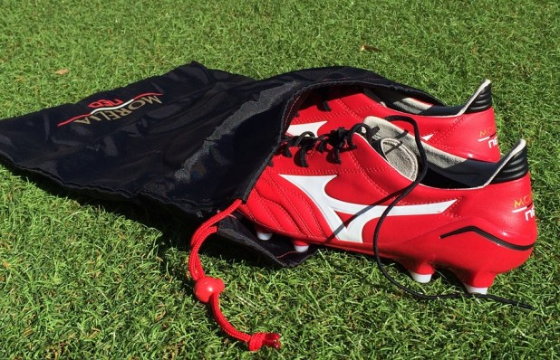 Mizuno Morelia Neo in Boot Bag