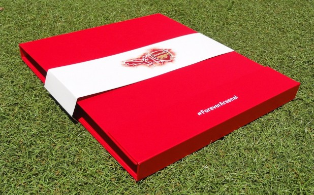 Arsenal Jersey Presentation Case