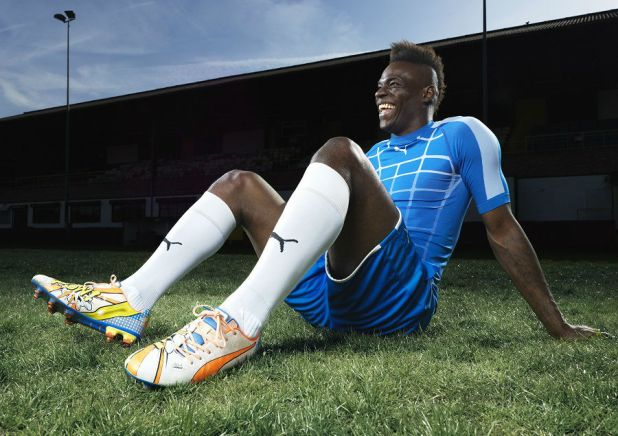 Mario Balotelli Wears the New PUMA evoPOWER 1.2 Grpahic POW
