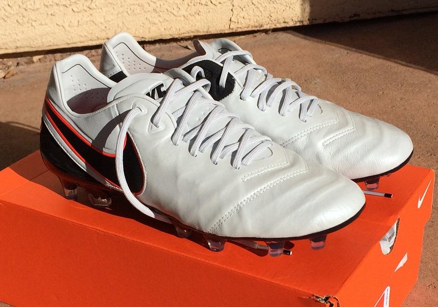 wholesale dealer 5d56a 0d485 Nike Tiempo Legend 6 - Complete Boot Review   Soccer Cleats 101