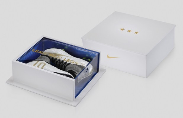 Nike Superfly Carli Lloyd Presentation Case