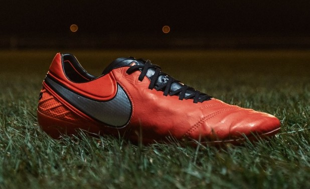 Nike Tiempo Legend 6 Total Crimson