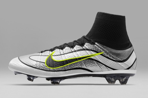 R9 Mercurial Superfly iD Silver