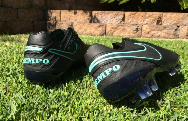 Nike Tiempo Legend 6 Pitch Dark Heel Design
