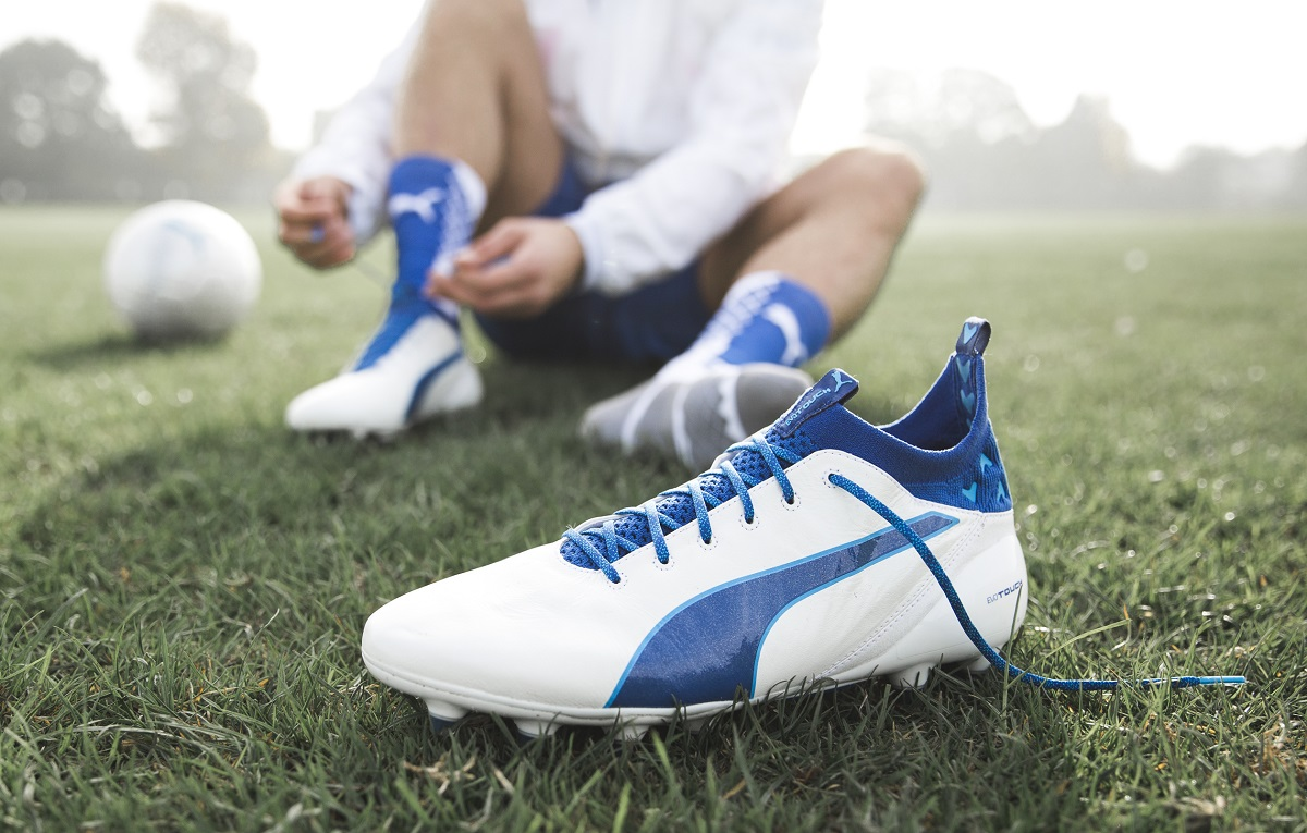 Auto aeropuerto licencia  Puma Release Updated White/Blue evoTOUCH Colorway | Soccer Cleats 101