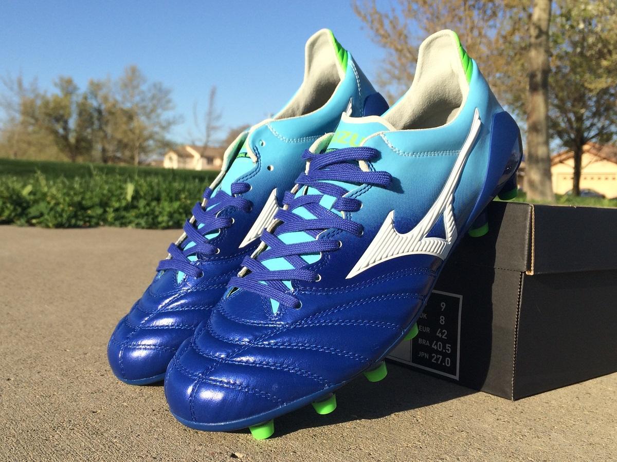 save off bffc4 c9823 Up Close - Mizuno Morelia Neo in Mazarine Blue | Soccer ...