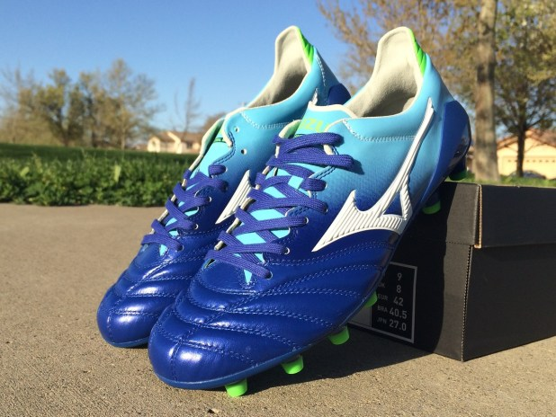 Mizuno Morelia Neo in Blue