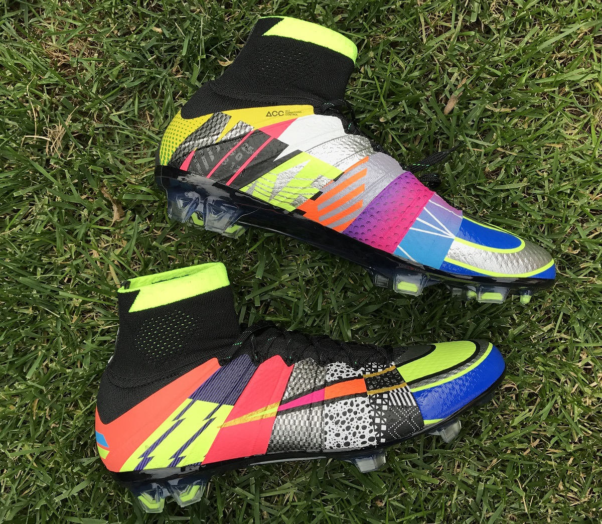 """One of the first things of note is that they are spectacular right from  opening the box. Nike has lined the inside of """"What the Box"""" with a pattern  that ..."""