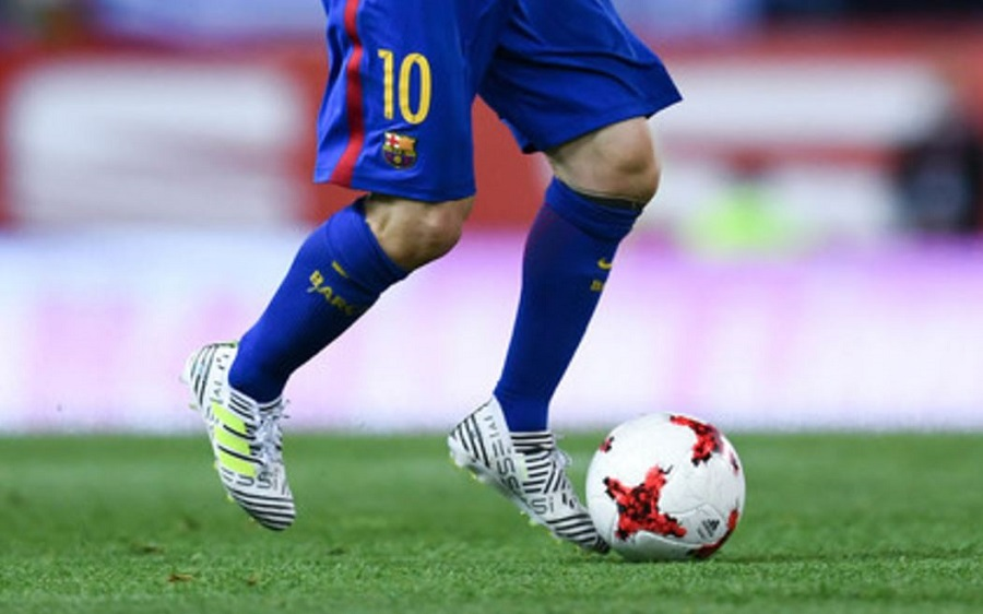 d6c1bd4652e5 What Nemeziz Boot is Lionel Messi Actually Wearing
