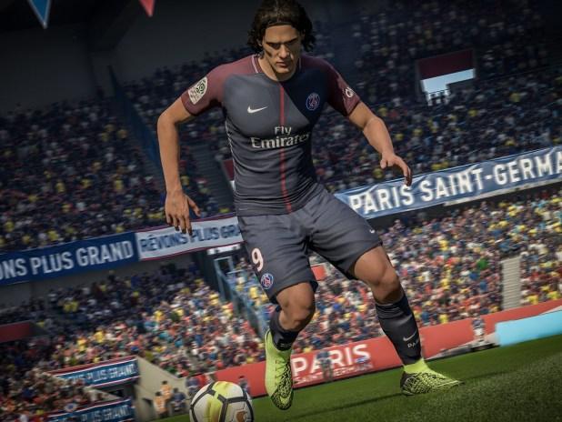 EA SPORTS Nike Hypervenom 3 Cavani