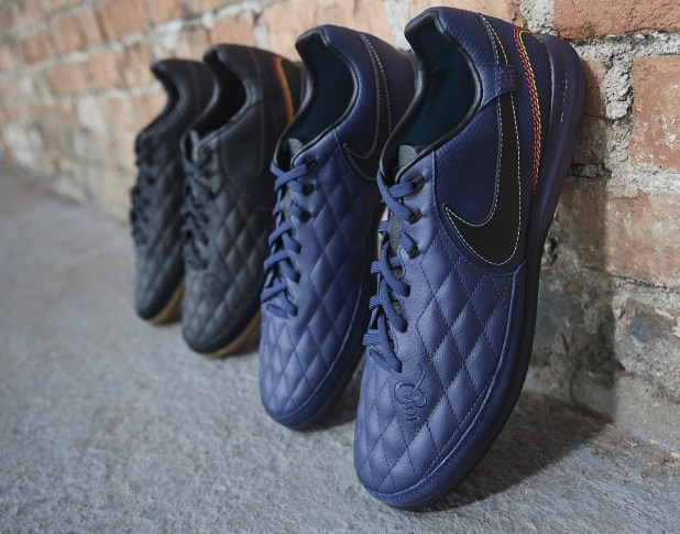 Ronaldhino Nike 10R City Collection