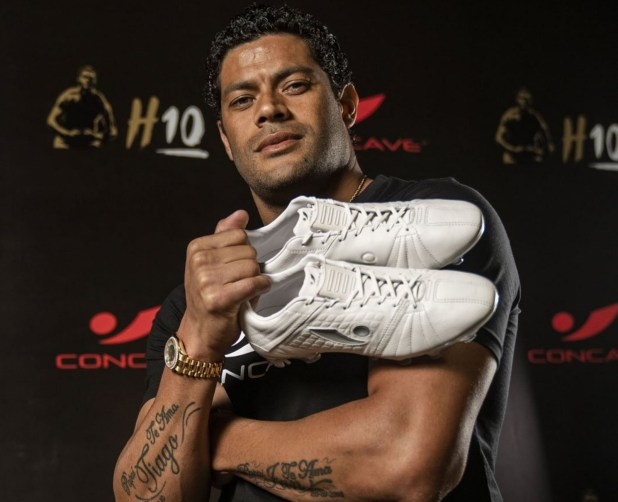Hulk with Concave Aura Boots