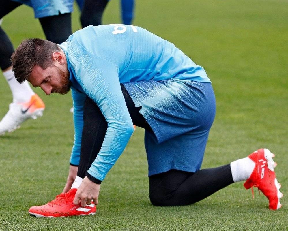 ee5551532 Leo Messi Debuts Next Generation adidas Nemeziz
