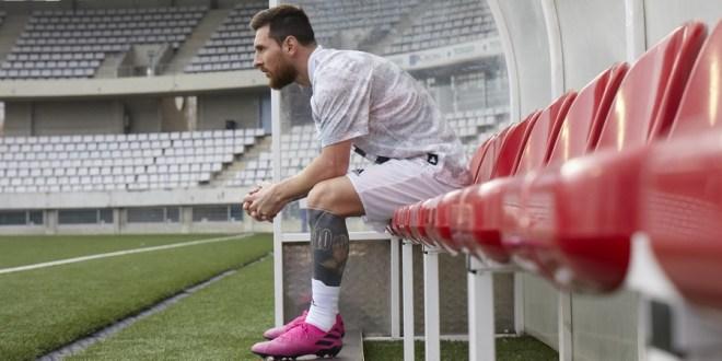 Leo Messi in Pink Nemeziz