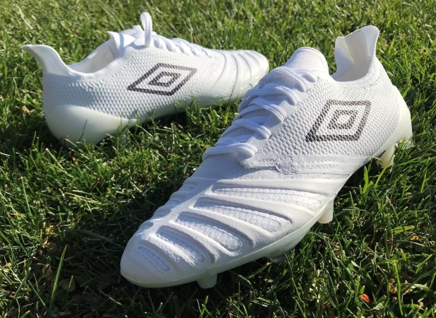 Umbro UX Accuro 3 Pro Soccer Cleats