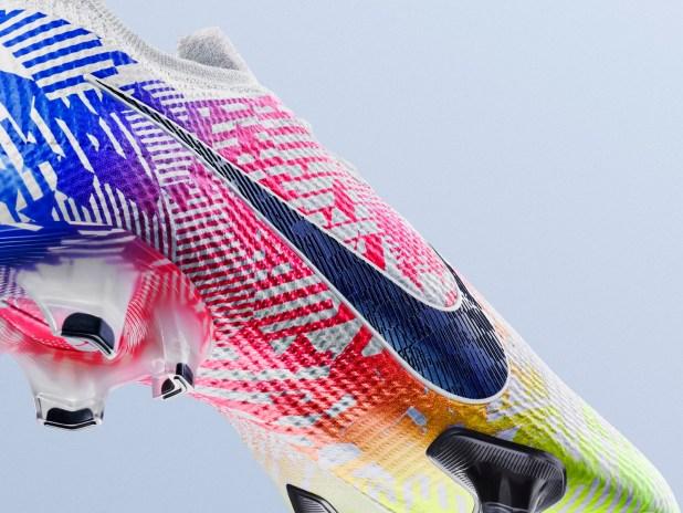 """Nike Mercurial Vapor """"Jogo Prismático"""" Detailing"""