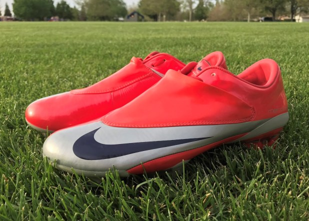 Nike Vapor V Risk Red