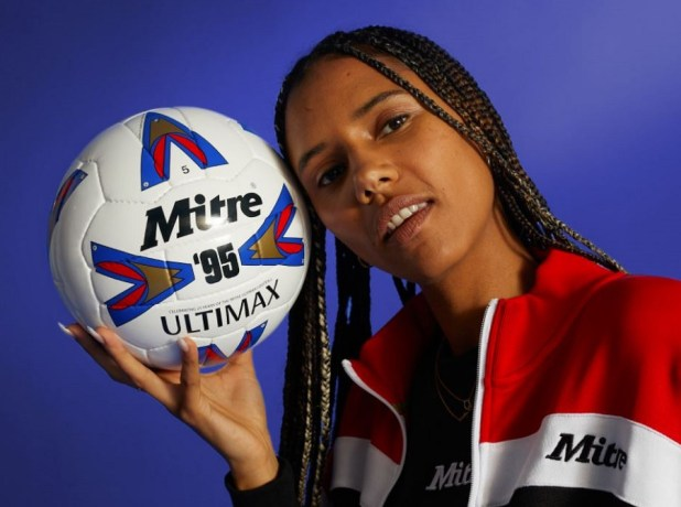 Mitre 95 Ultimax Ball