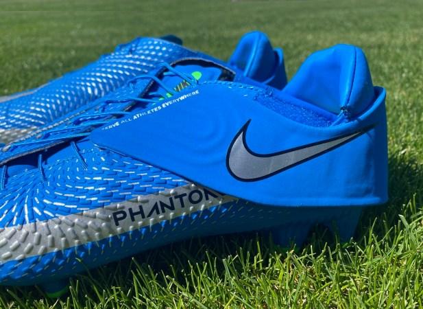 Nike Phantom GT Academy Flyease Lacing System