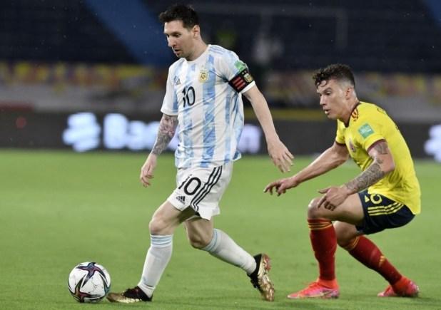 Leo Messi in Nemeziz.1 Gold