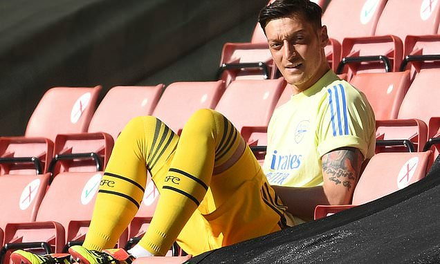 Mesut Ozil 'will only consider moves to Turkey or USA next summer'