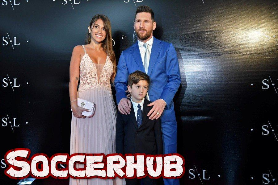 Lionel Messi, wife and kid at Suarez's wedding