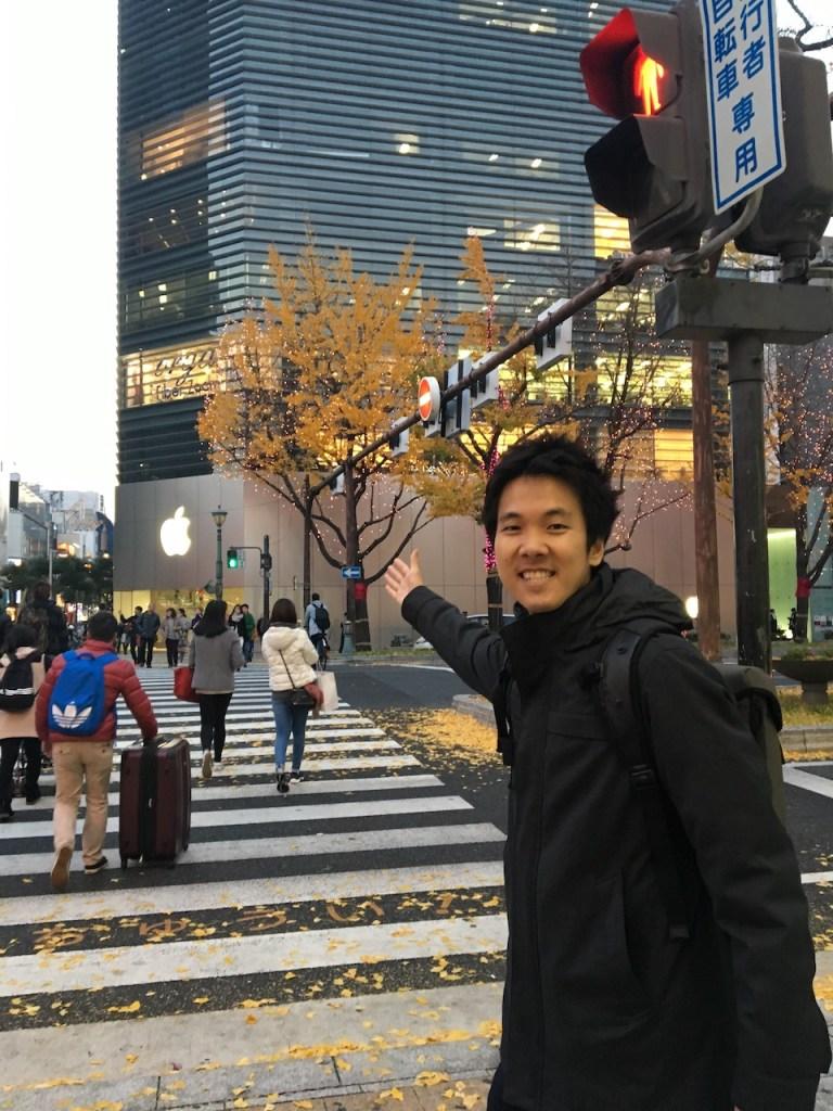 teerasej-at-apple-store-shinsaibashi