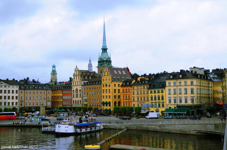 12-Colourful-Cities-Gamla-Sweden