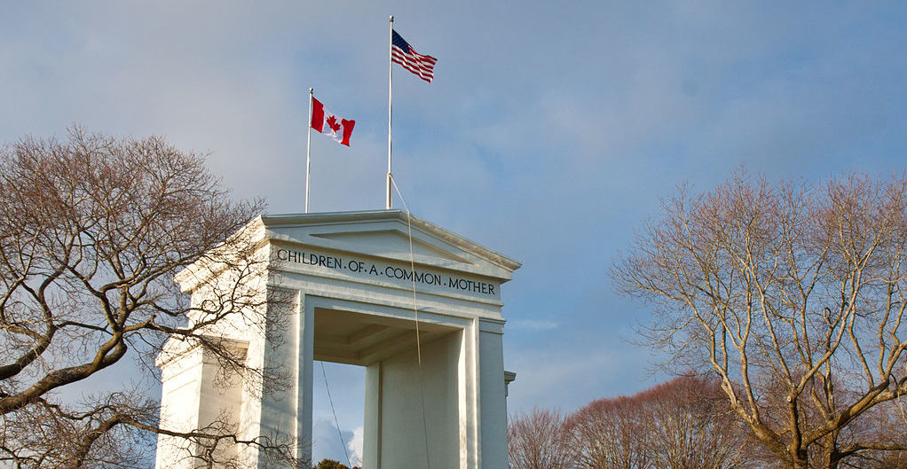 1024px-Peace_arch_Canada-US_border