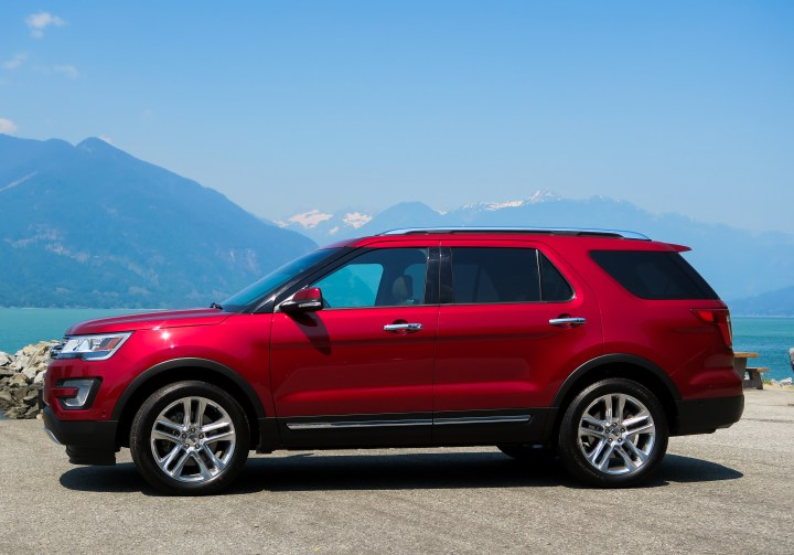 2017 ford explorer, red, metallic red, side view, review, honest review, canada, ford canada, vancouver