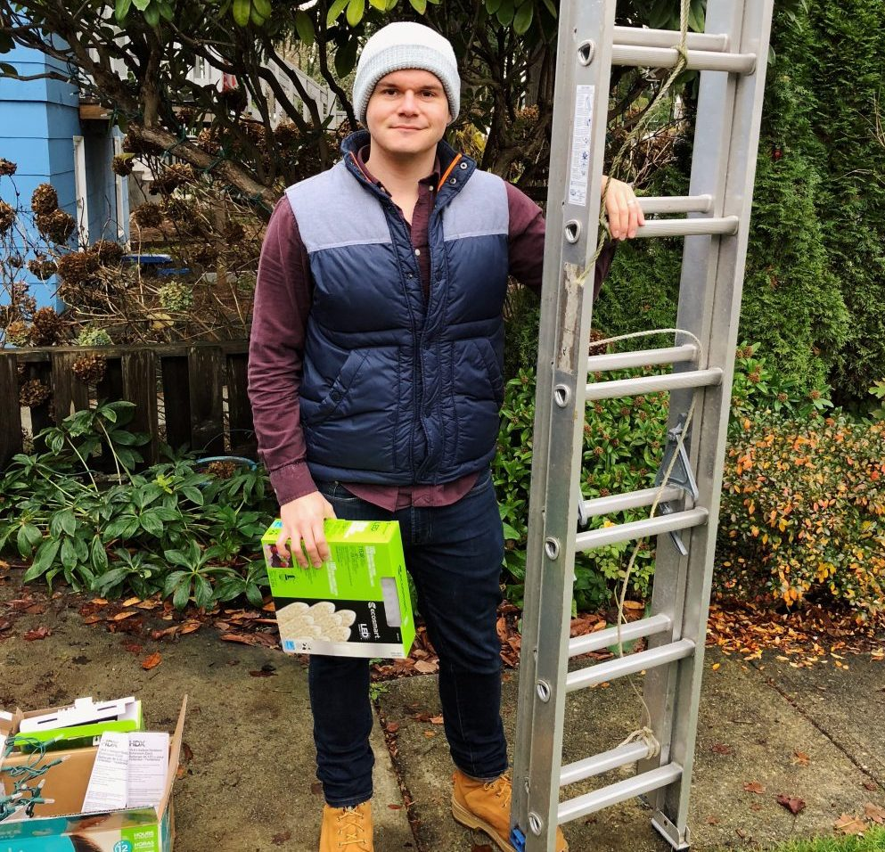 christmas lights guide, home depot, vancouver blog, vancouver dad, dads in vancouver, how to put up christmas lights, holiday lights guide, christmas lights in vancouver, near me, the home depot, nearest home depot, socialdad, social dad blog, james smith, social media specialist in vancouver, canada dads, cision, parenting blogs, ford canada, ford explorer, contests, ford vancouver,