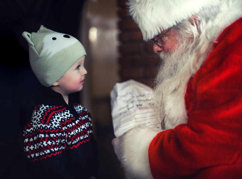 Photos with santa, santa photos in surrey, santa photos in north van, photos with santa in richmond,