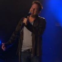 Gary Allan Performs Pieces on AOL Sessions