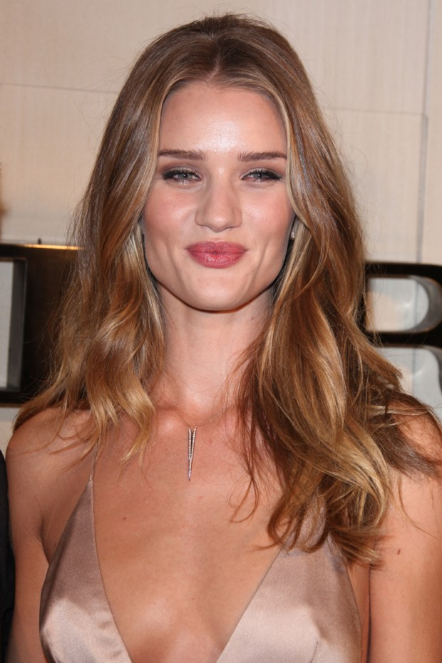 burberry_Holly-wood_Rosie-Huntington