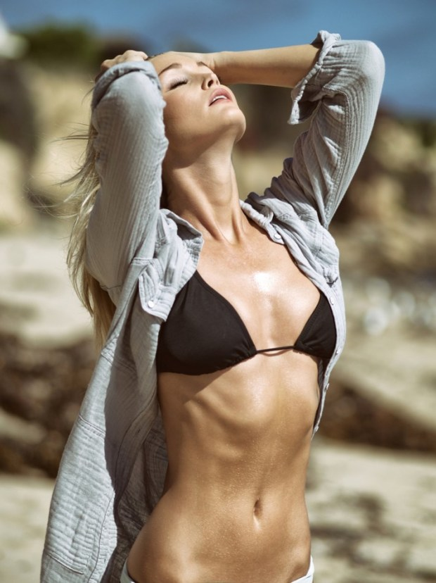 LA-Models_-Kayla-Lewis_social-mag