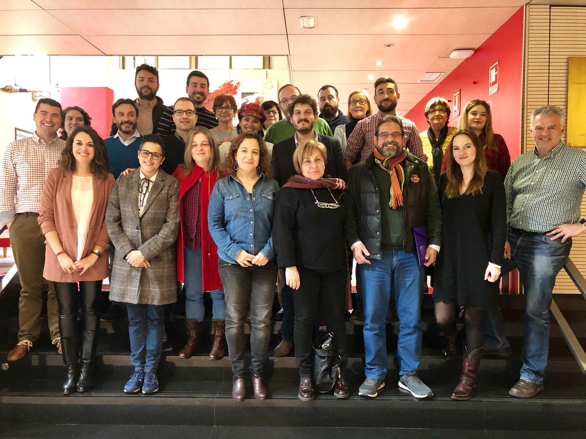 Iratxe García con activistas del PES