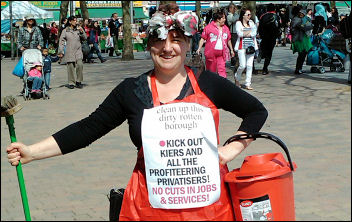 Clean out the dirty big business politicians - Walthamstow Socialist Party, photo S. Kimmerle
