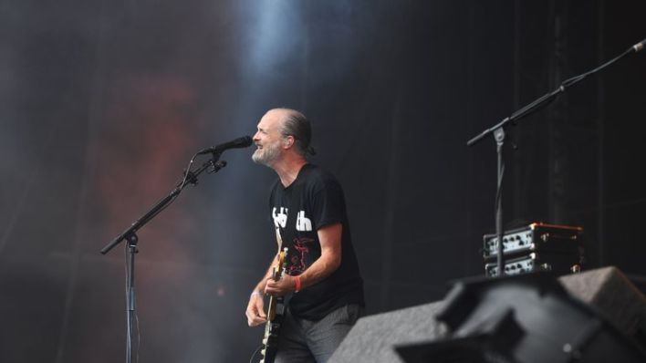 Fran Healy of Travis performs during the V Festival