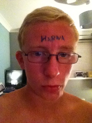 hanna-poisonivylul-poison-ivy-forehead-victim-1
