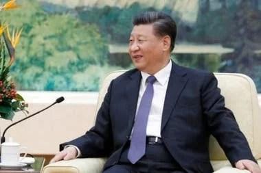 El presidente de China Xi Jinping quiere acabar con la dependencia de su país en las importaciones de chips