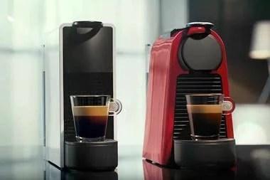 Una Nespresso Essenza Mini C