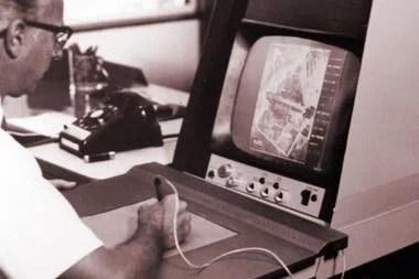 Una vista de la tableta digitalizadora de RAND; creada en la década de 1960, en la que se probó el primer sistema de identificación facial