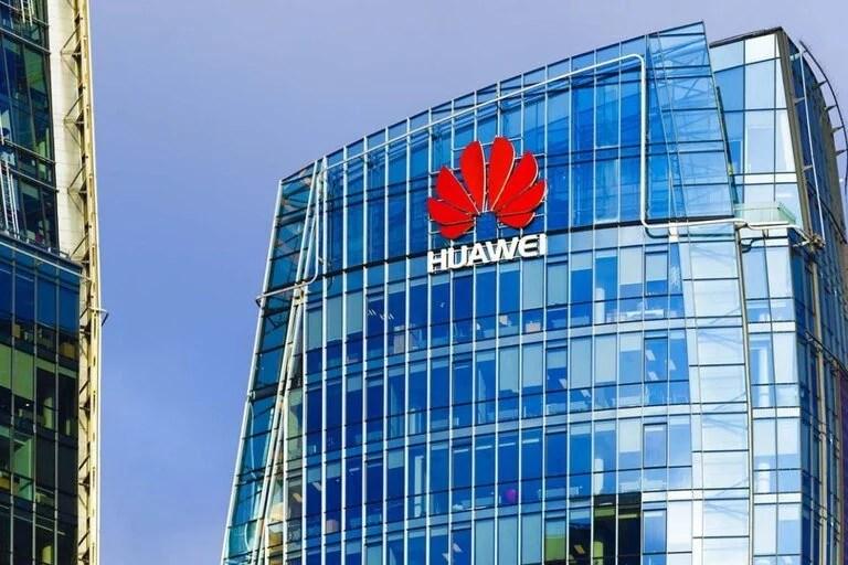 De momento, Huawei Technologies registró un ligero crecimiento de ingresos y ganancias en 2020