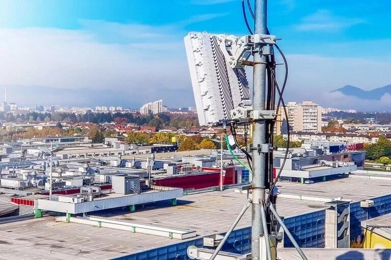 Al margen del despliegue de 5G para el mercado de consumo, la quinta generación de conectividad inalámbrica tendrá un impacto directo en el desarrollo de nuevos servicios y aplicaciones para el sector industrial