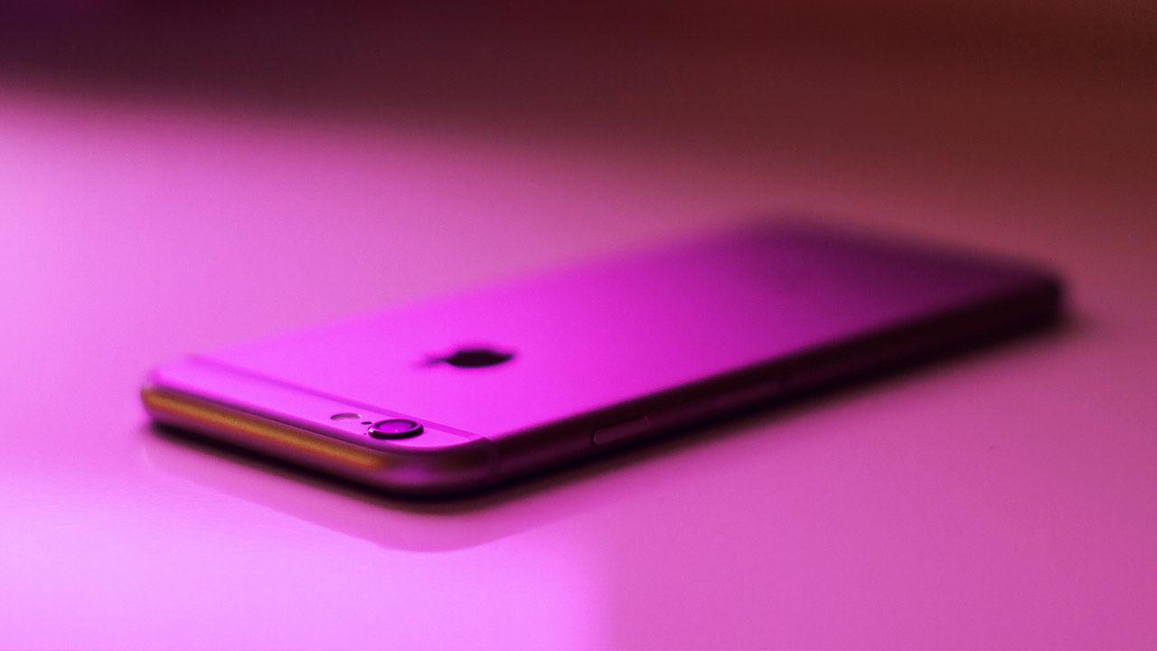 FBI hacks attacker's iPhone, drops Apple suit