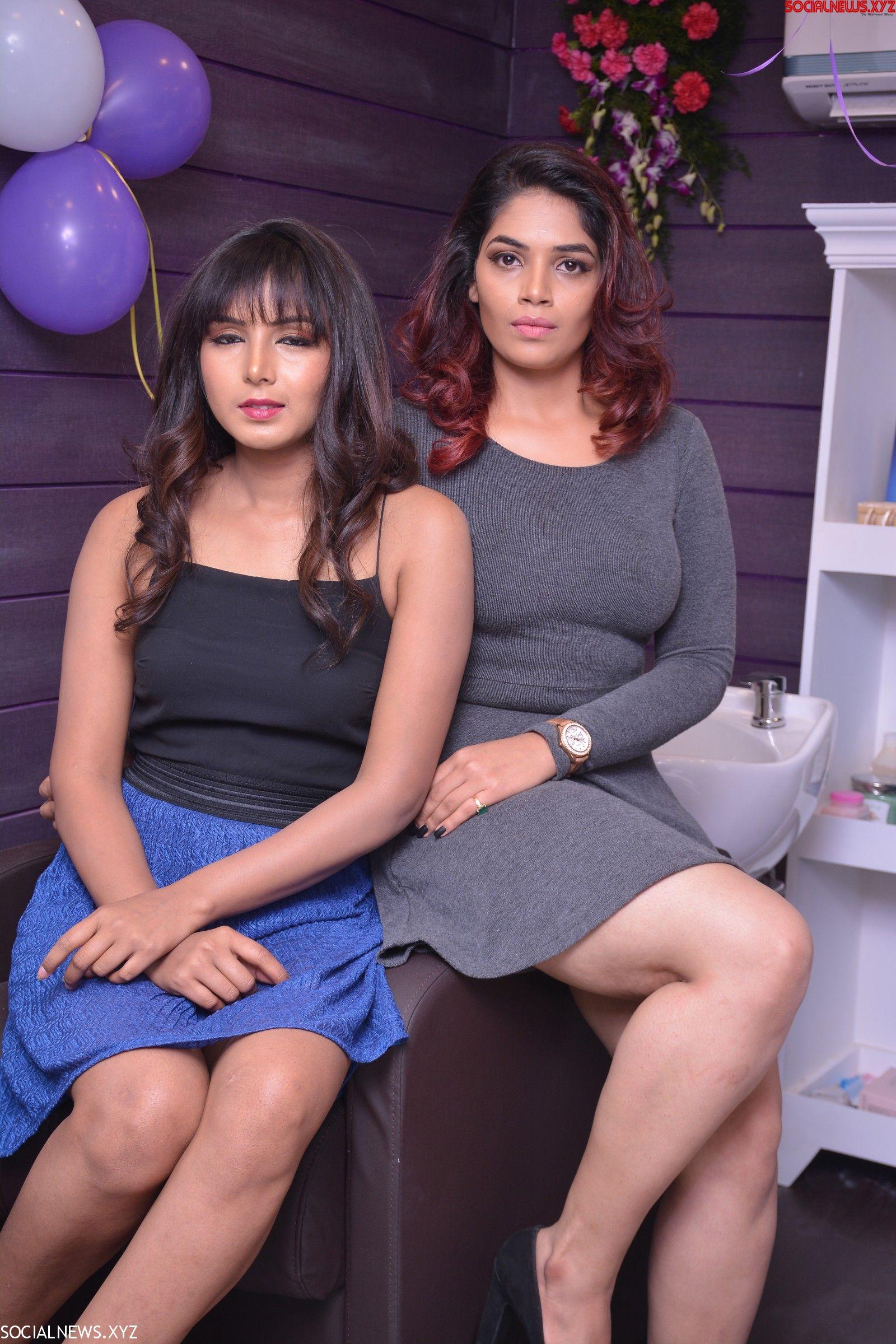 Natural Beauty Salon Launch Fashion Show Held At Guntur